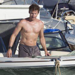 James Blunt presume de torso desnudo en Ibiza