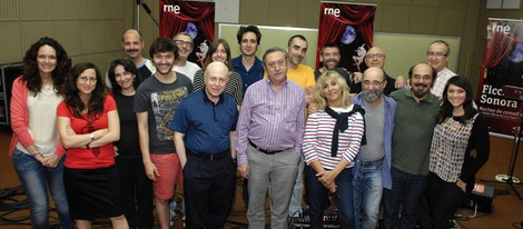 Álex Angulo y Luis Varela en la nueva ficción sonora de Radio Nacional, 'El último trayecto de Horacio Dos' junto a todo el equipo de Radio 3