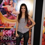 Victoria Justice en el estreno del documental 'Katy Perry: Part of me' en Los Ángeles
