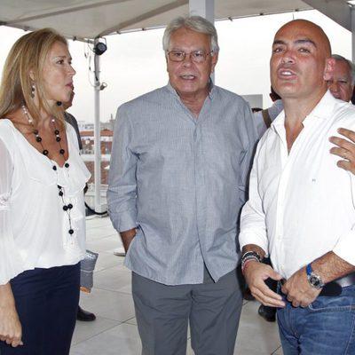 Mar García Vaquero y Felipe González con Kike Sarasola en el Óscar