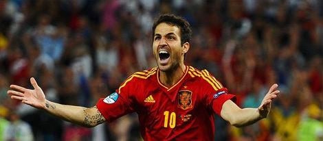 Cesc Fábregas celebra el penalti de la victoria de la semifinal de la Eurocopa 2012