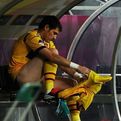 Iker Casillas sin pantalón en la semifinal de la Eurocopa 2012
