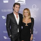 Liam Hemsworth y Miley Cyrus en los Breakthrough Awards 2012
