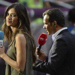 Sara Carbonero durante la semifinal de España contra Portugal en la Eurocopa 2012