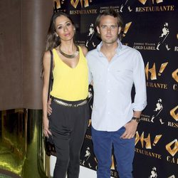 Andy Soucek y su novia en la inauguración de Oh Cabaret