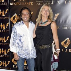 Antonio Carmona y Mariola Orellana en la inauguración de Oh Cabaret
