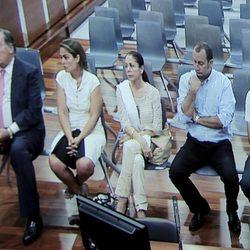 Isabel Pantoja en el interior del juicio por el caso Malaya