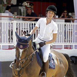 Carlota Casiraghi compite en el Concurso de Saltos de Monte Carlo 2012