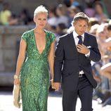 Valeria Mazza y su marido en la boda de Carlos Baute