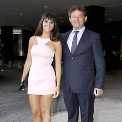 Cristina Pedroche y Miki Nadal en la boda de Patricia Conde