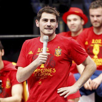 Iker Casillas en la celebración en Cibeles de la Eurocopa 2012