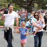 Ben Affleck y Jennifer Garner con sus hijas el Día de la Independencia