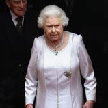 La Reina Isabel en el nombramiento del Príncipe Guillermo como Caballero de Thistle