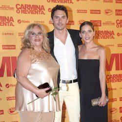 Carmina Barrios, Paco León y María León en el estreno de 'Carmina o revienta'