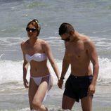 Adriana Abenia, de vacaciones en Ibiza con su novio Sergio Abad