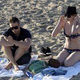 Adriana Abenia y su novio Sergio Abad, de vacaciones en Ibiza