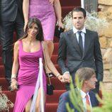 Cesc Fábregas y Daniella Semaan en la boda de Andrés Iniesta y Anna Ortiz