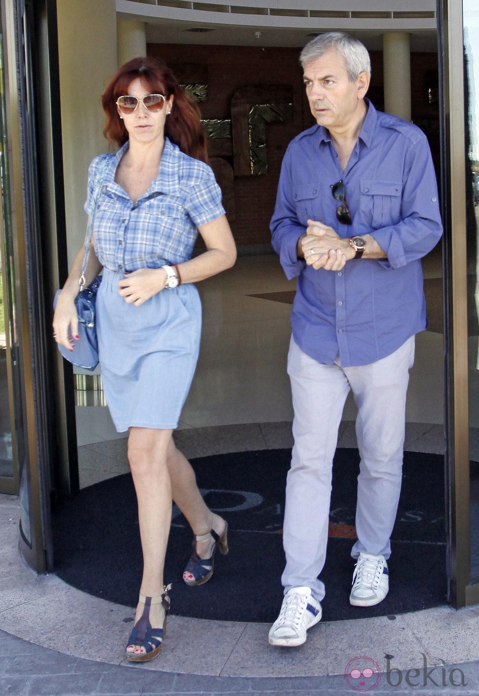 Carlos Sobera y Patricia Santamaría