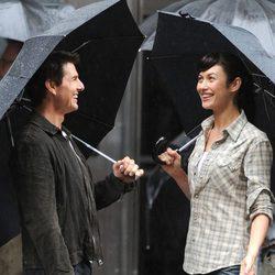 Tom Cruise y Olga Kurylenko en el rodaje de la película 'Oblivion'