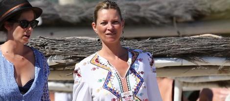 Kate Moss paseando por Saint Tropez entre rumores de embarazo