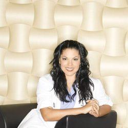 Sara Ramírez en una foto promocional de 'Anatomía de Grey'