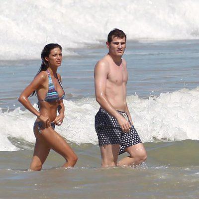 Iker Casillas y Sara Carbonero en las playas de Brasil en verano de 2011