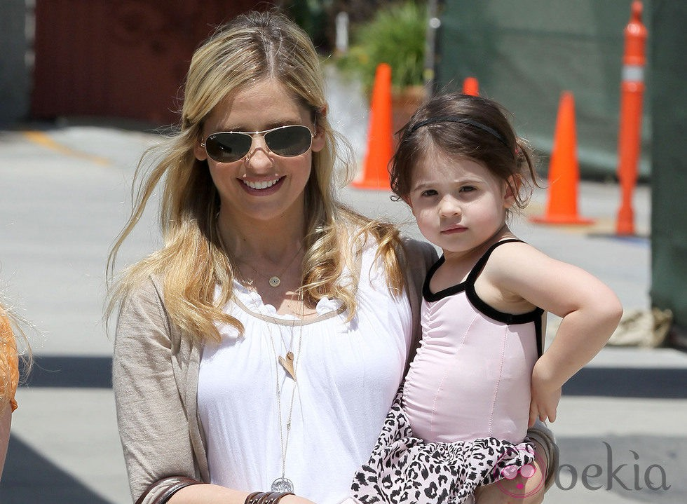 Sarah Michelle Gellar con su hija Charlotte