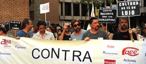 Famosos encabezan la manifestación contra la subida de impuestos de cultura