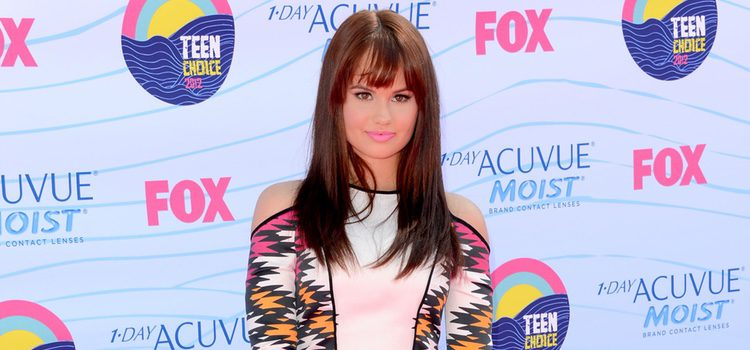 Debby Ryan en la gala Teen Choice Awards 2012