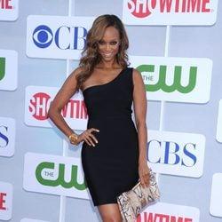 Tyra Banks en la fiesta organizada por la cadena de televisión CBS