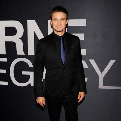 Jeremy Renner en la premiere mundial de 'El legado de Bourne' en Nueva York