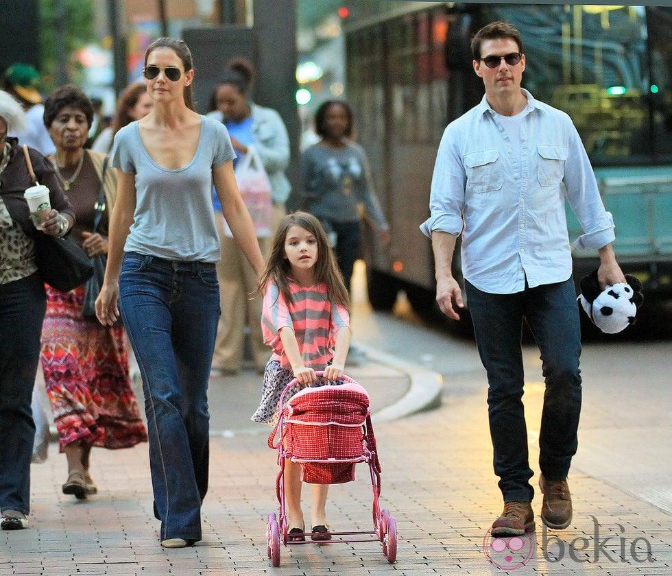 Tom Cruise y Katie Holmes, día familiar con su hija Suri