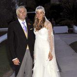 Santiago Cañizares y Mayte García el día de su boda