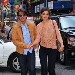 Tom Cruise y Katie Holmes pasean cogidos de la mano por Nueva York