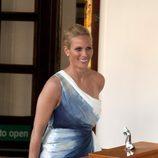 Zara Phillips en la fiesta previa a su boda con Mike Tindall en el Yate Britannia