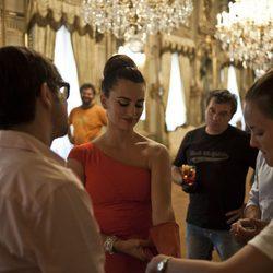 Penélope Cruz se prepara para la sesión fotográfica del Calendario Campari 2013