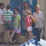 La Infanta Elena, Felipe y Victoria de Marichalar y la Reina Sofía en Mallorca