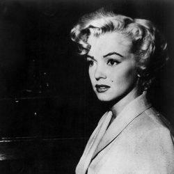 Marylin Monroe fotografiada durante un acto público