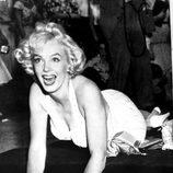 Marylin Monroe deja sus huellas en un acto homenaje