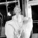 Marilyn Monroe en una conocida escena de la película 'La tentación vive arriba'