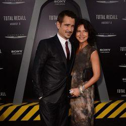 Colin Farrell y su hermana Claudine en el estreno de 'Desafío total' en Los Angeles