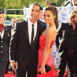 Marvin Humes y su novia Rochelle Wiseman en Londres