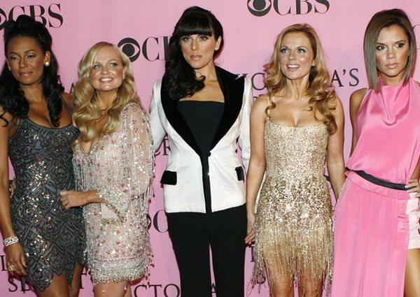 Melanie Brown, Emma Bunton, Melanie C., Geri Halliwell y Victoria Beckham en 2007