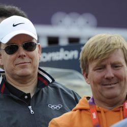 Alberto de Mónaco y Guillermo de Holanda en una competición hípica de Londres 2012
