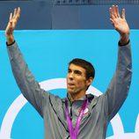 Michael Phelps con una de las medallas de oro conseguidas en Londres 2012