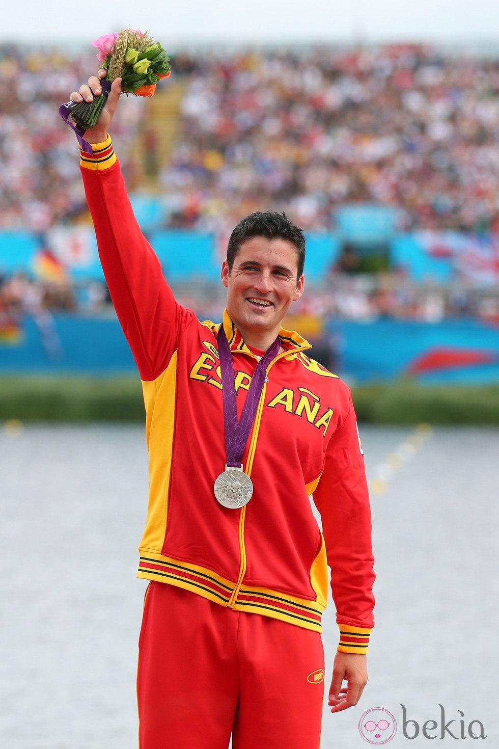 David Cal alzando la medalla de plata en los Juegos Olímpicos de Londres 2012