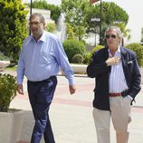 Enrique González Macho a su llegada al tanatorio para despedirse de Sancho Gracia