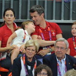 Los Príncipes de Dinamarca y sus hijos y los Reyes de Grecia en Londres 2012