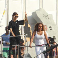Victoria Beckham y Melanie B en el ensayo de su actuación en la ceremonia de clausura de los JJ.OO de Londres 2012