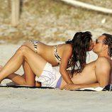 Javier Cárdenas y Paula Prendes desatan su pasión en Ibiza (verano 2010)